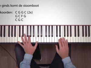 Zie ginds komt de stoomboot op je piano spelen
